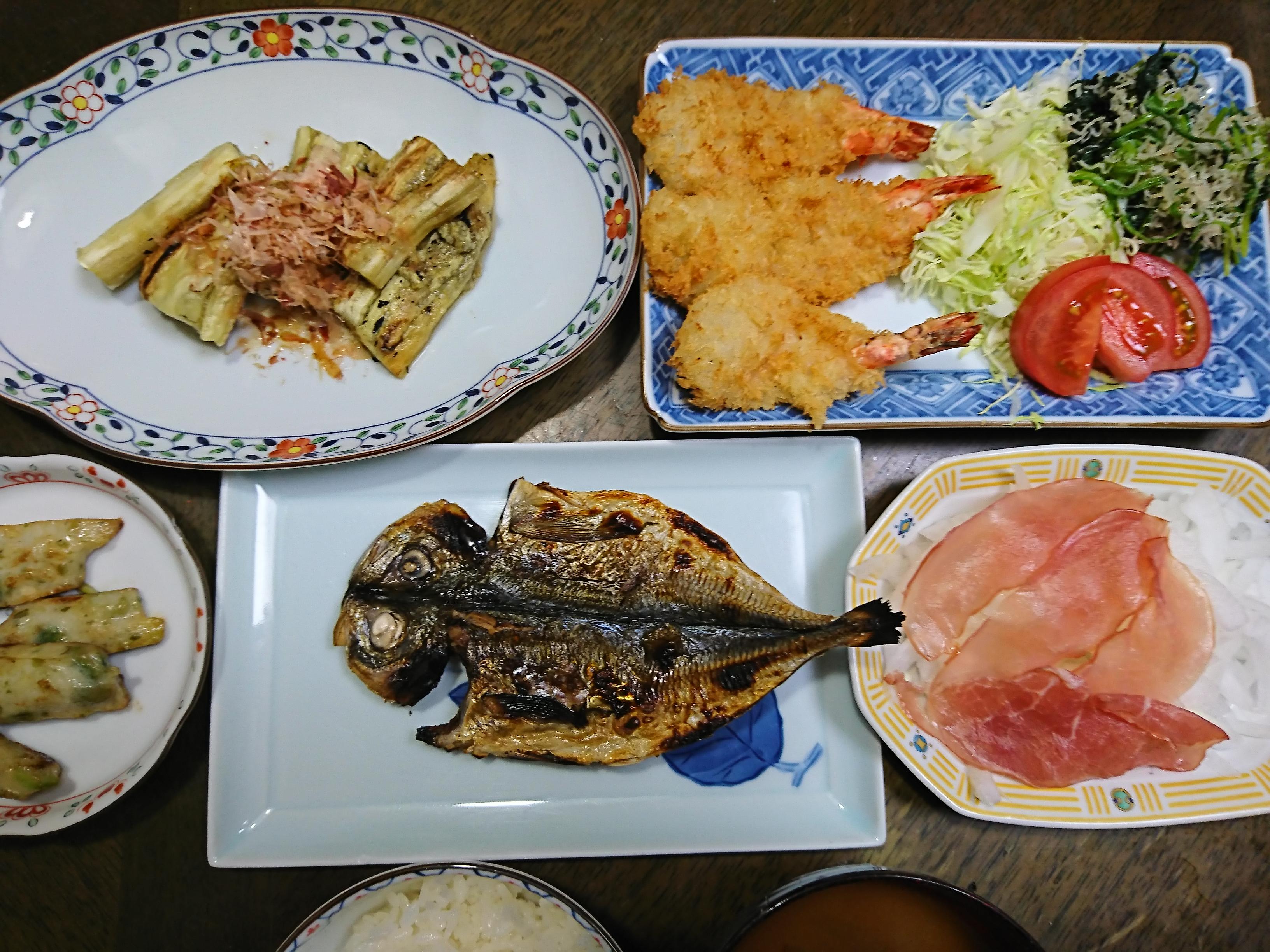 【アトピー敏感肌専門】お食事しっかり食べてね( v^-゜)♪